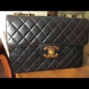 512c57ce97b370 CHANEL · Chanel vintage 24k jumbo lambskin single flap